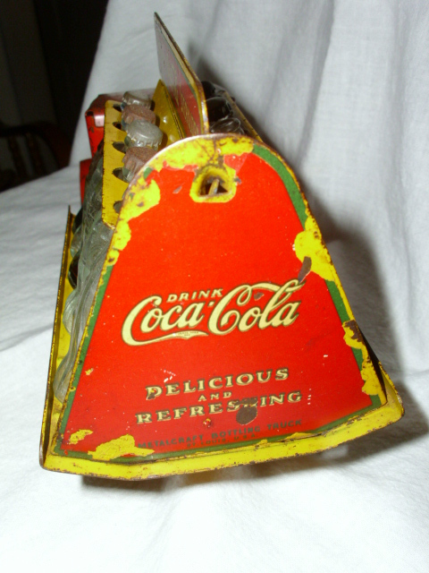 2 coca cola camion jouet 1940 and 1950  Coke_t11
