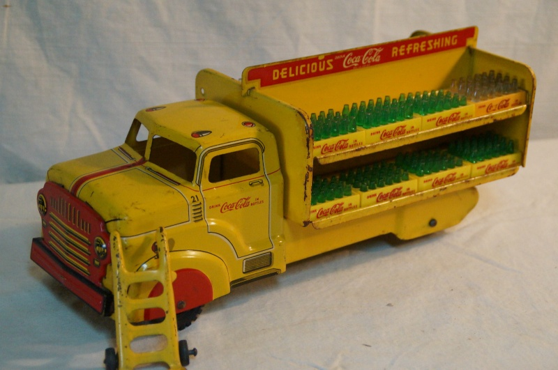 2 coca cola camion jouet 1940 and 1950  Coke_t13