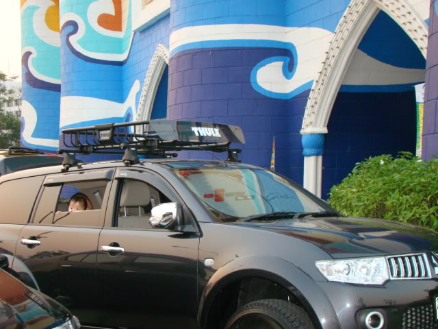 PS in Thailand with Thule Roof Rack Dsc09310