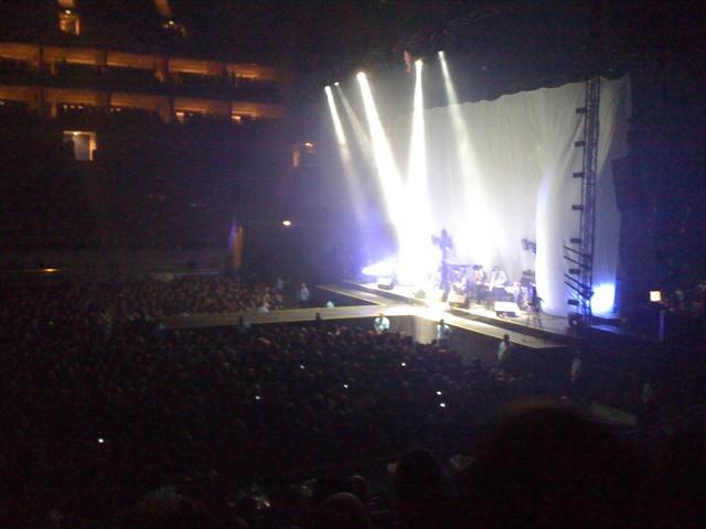 [HURRICANE TOUR] O2 Arena, London 30.11.2010 20102610