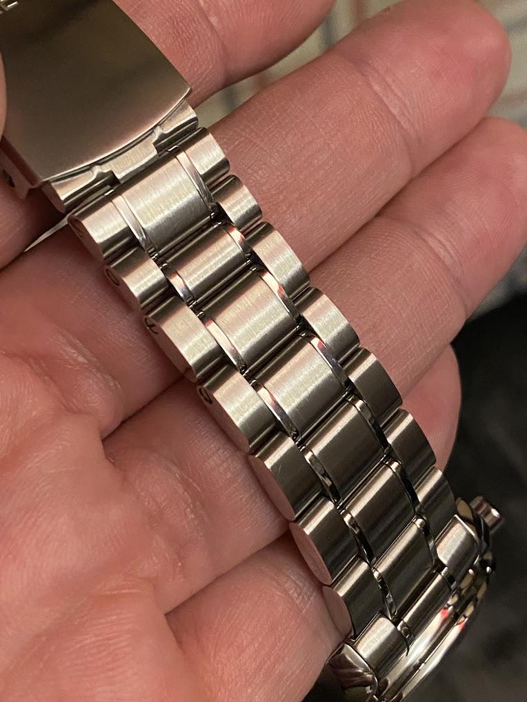 Remover riscos e marcas de relógio ou bracelete Metal Escovado... experiências? Img_2611