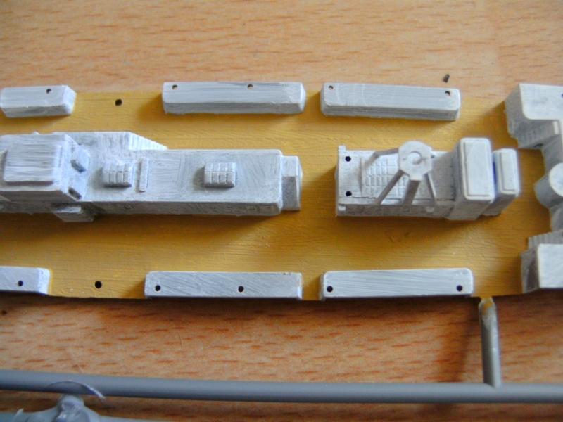 leichter Kreuzer Emden 1:350 von Revell Pict0221