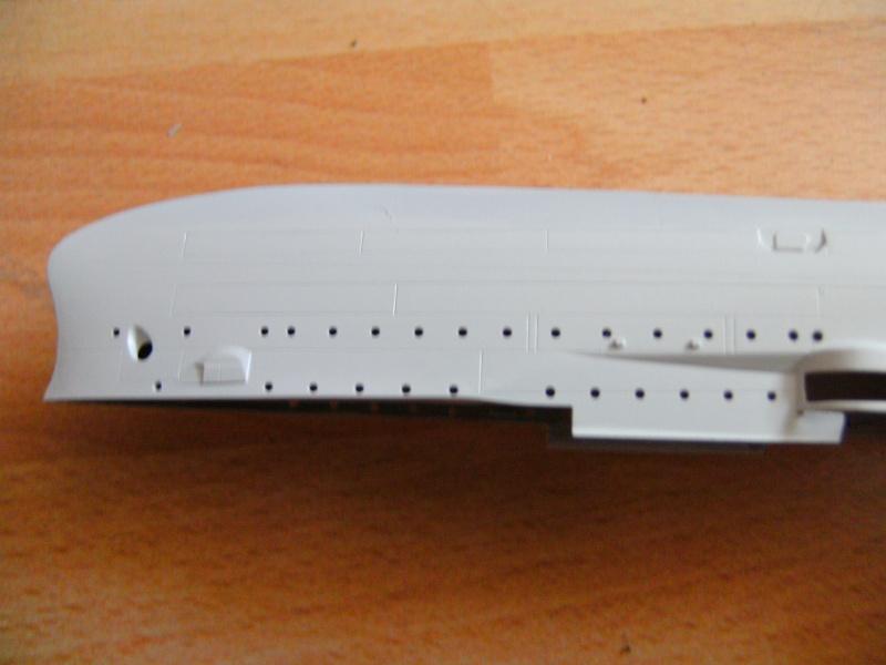 leichter Kreuzer Emden 1:350 von Revell Pict0230