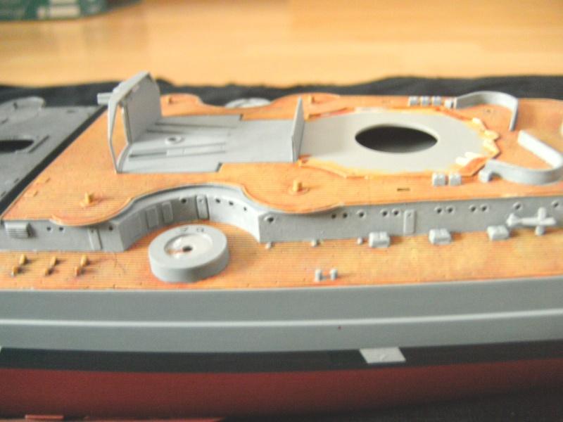 Schlachtschiff Bismarck Revell 1:350 Pict0810
