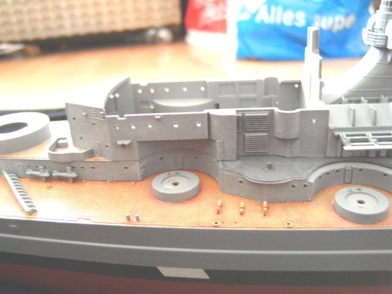 Schlachtschiff Bismarck Revell 1:350 Pict1612