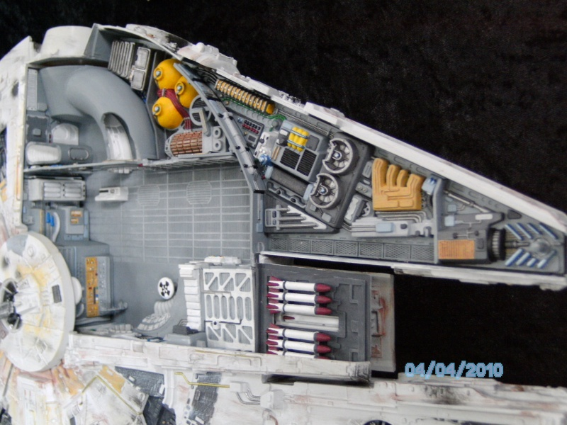 AMT Millenium Falcon Cut-Away Pict4314