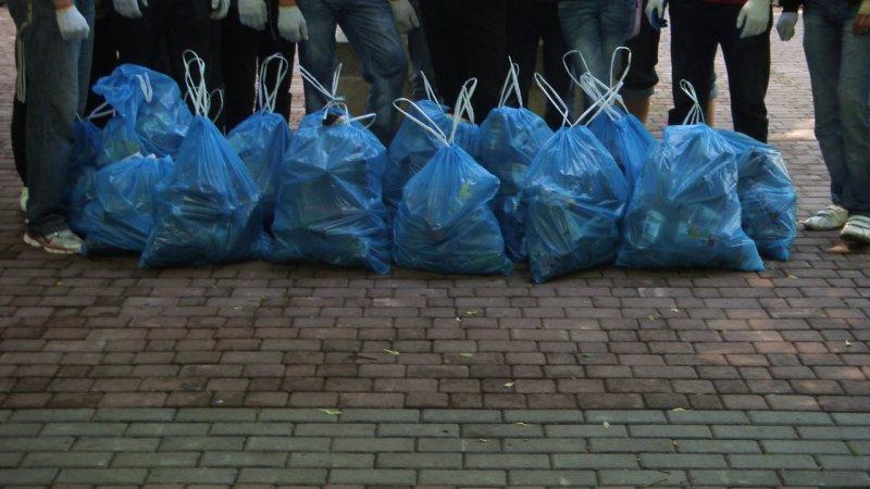 Un nettoyage des espaces verts et urbains Eco_su10