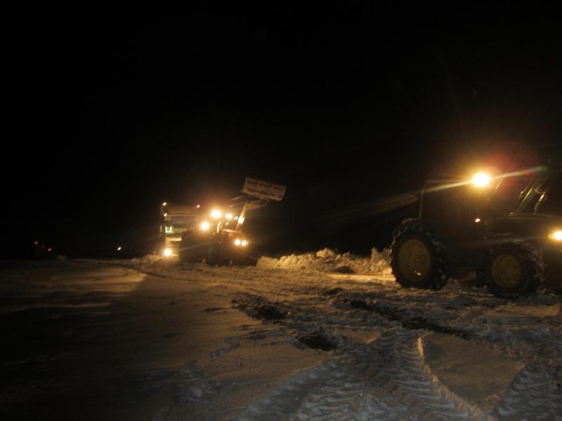 la neige est-elle arrivée chez vous ?  - Page 3 Camion10