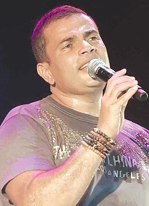 حصريا 3 اغاني جداد عمرو دياب ليف من حفله المستقبل Live Q 128Kpbs  111ur110