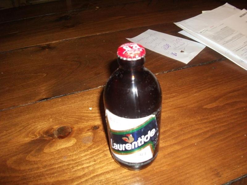 sérieux.  personne n'a de bouteilles de bière intéressantes! Photo_40