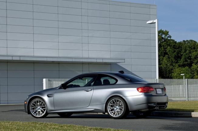 BMW M3 E92 Frozen Gray-2010- Market US. 20-pho10