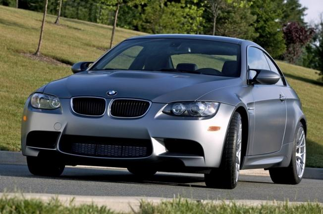 BMW M3 E92 Frozen Gray-2010- Market US. 40-pho10