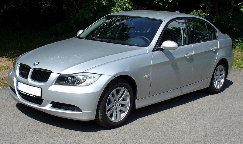 Présentation BMW série 3 E 90 Bmw_3e11