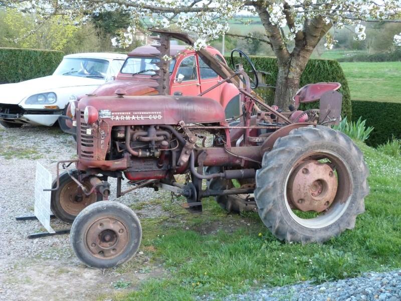un 411 parmi les tracteurs agricoles à PEZET LE ROBERT (72) P1000112