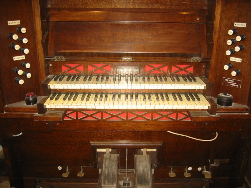 Apollo reed organ Img_0012