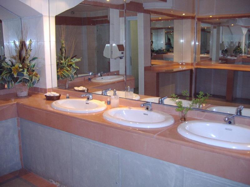 Мужской туалет Dd10