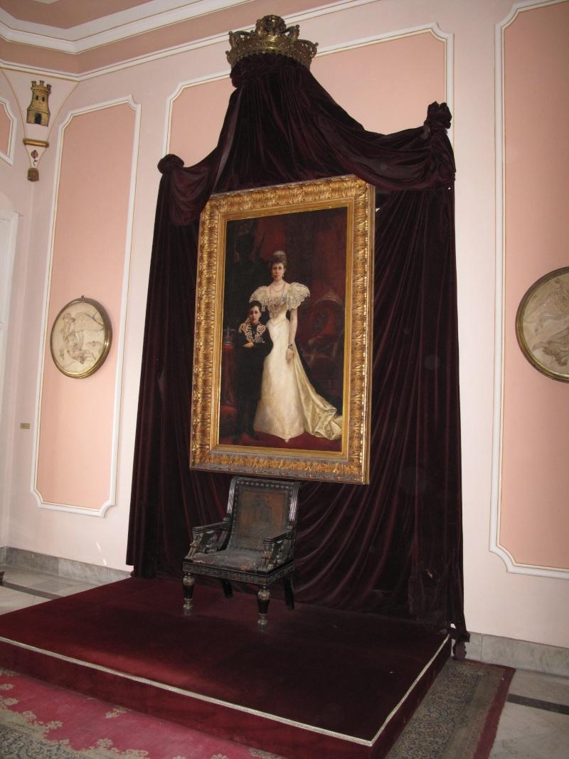 Exposition « Trônes en majesté, l'autorité et son symbole » - Page 7 Img_4310