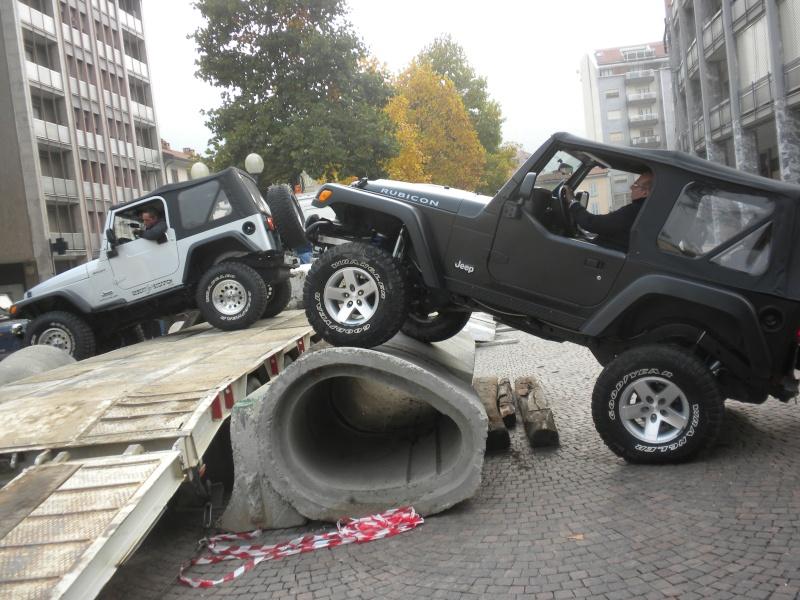 Kit carrozzeria AEV: questione d'altezza... Borgos13