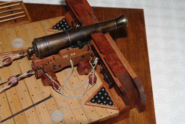 Poste de combat du canon de 36 du V74 canons, echelle 1:24 Imgp3823