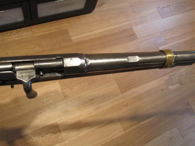 Les armes règlementaires à poudre noire à cartouches Img_2810