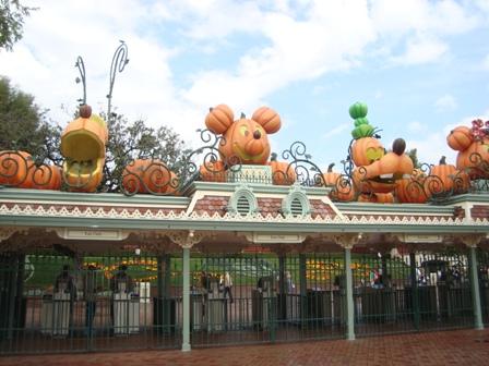 [Disneyland Resort] 17 au 19 octobre 2010 + l'Ouest américain Dsc09014