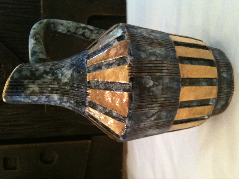 Sgraffito gold vase signed Italy - FF or Bitossi  Goldph10