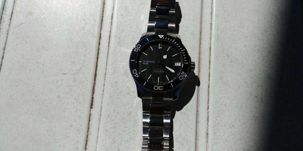 ward - La montre de plongée Christopher Ward C60 Trident COSC 600 mouvement SH21  20180819