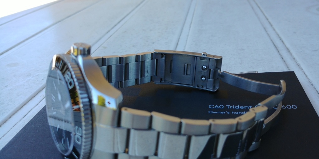 ward - La montre de plongée Christopher Ward C60 Trident COSC 600 mouvement SH21  20180828