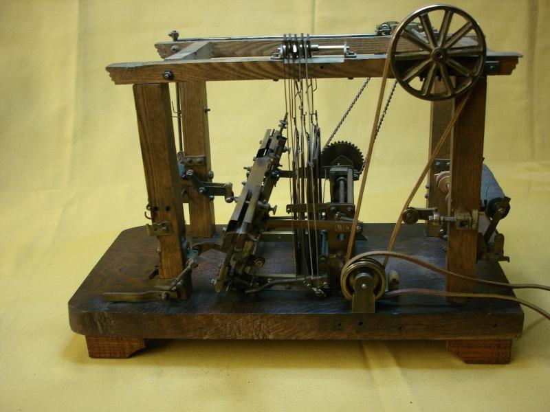 Modello di telaio tessile in legno originale fine'800-primi '900 Dsc00023