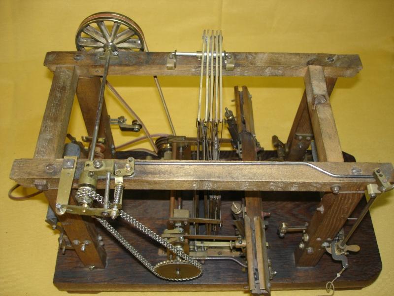Modello di telaio tessile in legno originale fine'800-primi '900 Dsc00028