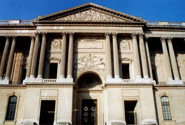 Le Louvre, ses fantômes et ses stars 1_1_1206