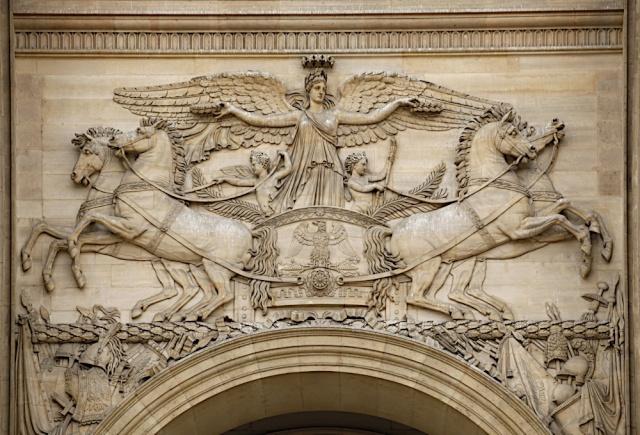 Le Louvre, ses fantômes et ses stars 1_1_1208
