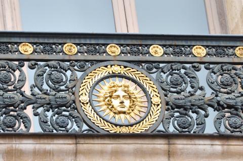 Le Louvre, ses fantômes et ses stars 1_1_1209