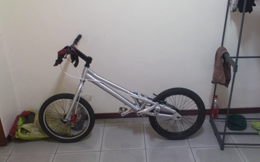 "20"" TRAILS BIKE FOR SALE 8000 still avaiable Bike_a14"
