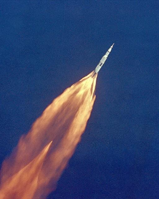 [Vote] Photo du mois d'Avril Apollo10