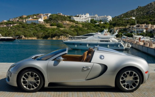 Bugatti Veyron 16.4 Grand Sport, avaliada em R$ 7.700.000,00, atinge velocidade máxima de 407 km/h Veyron10