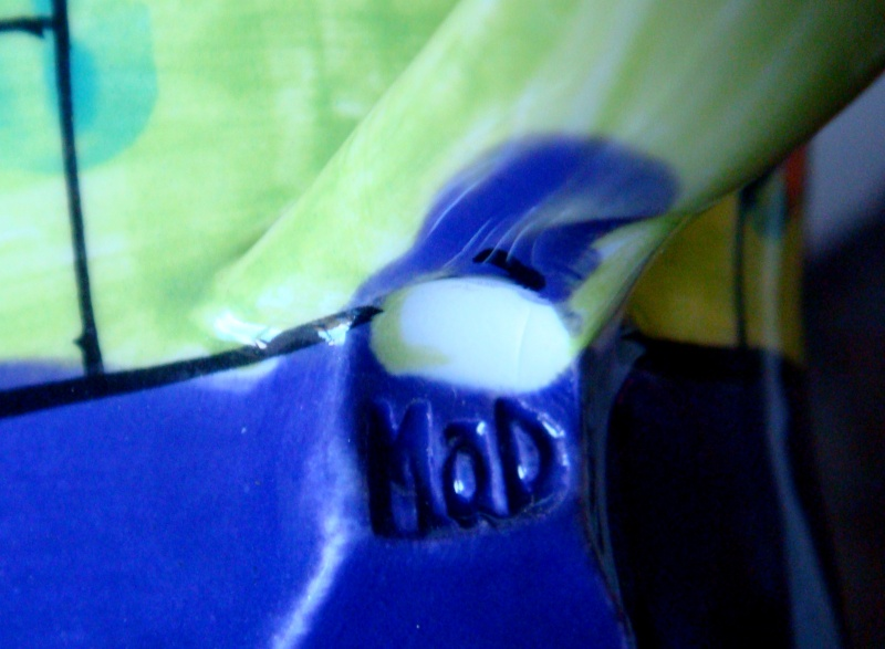 Meg & Doug Latham pottery mark ~ MAD ~ Trass Pots Dsc04112