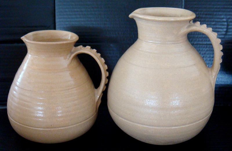 Two stunning large stonewear jugs by Paul Laird Dsc04928