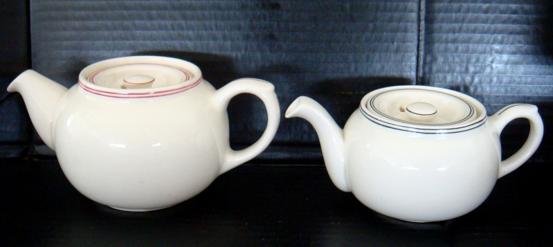 Are these 2 teapots Crown Lynn?  No they are English. Dsc04934