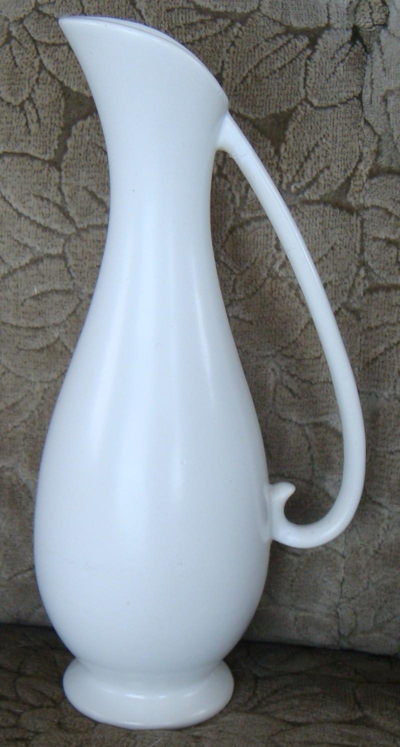 2084 Tall Jug / Vase Dsc05116