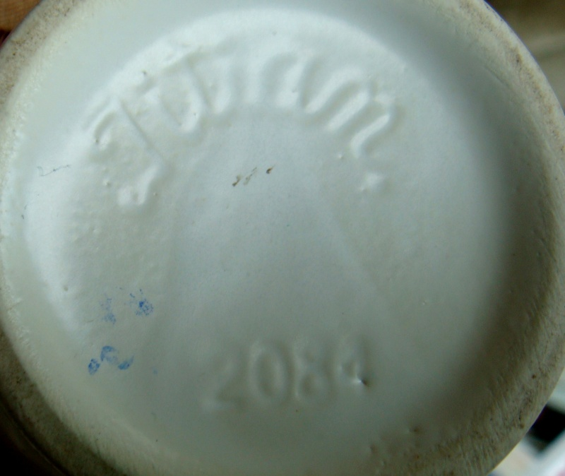 2084 Tall Jug / Vase Dsc05117