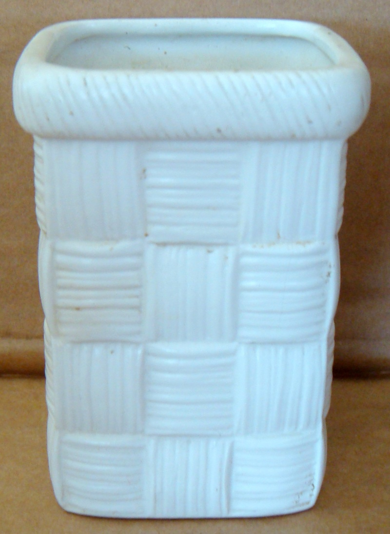 Another basket vase No 319 Dsc05210