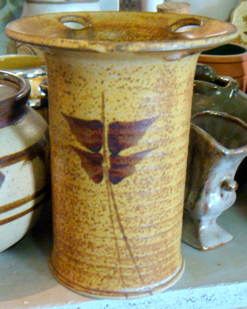 Stables Pottery Nelson mark Dsc05319