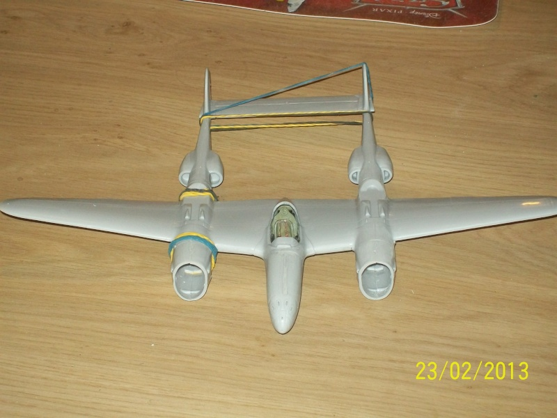 LOCKHEED P-38 Lightning  (MINICRAFT 1/48°) ( en cours de construction )  01113