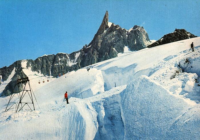 Ancien ski d'été sur le Glacier du Géant Img12410