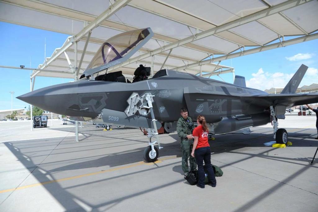 Lockheed Martin F-35A 1/32 Italeri 59339f10
