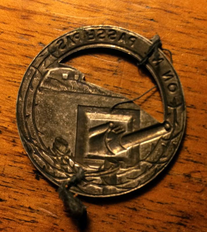Lot d'insignes très sympa - PHILPENS - DEC 1 [A CLOTURER] 916