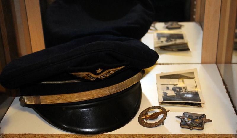 Lot nominatif casquette + insignes + photos Armée de l'Air / Défense Passive ESC - MAR 3 [A CLOTURER] Img_7514