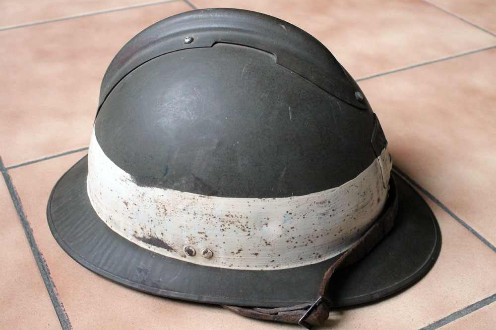 Très beau casque DP grande taille avec brassard (trouvés ensemble) ESC - MAI 2 [A CLOTURER] Img_9138