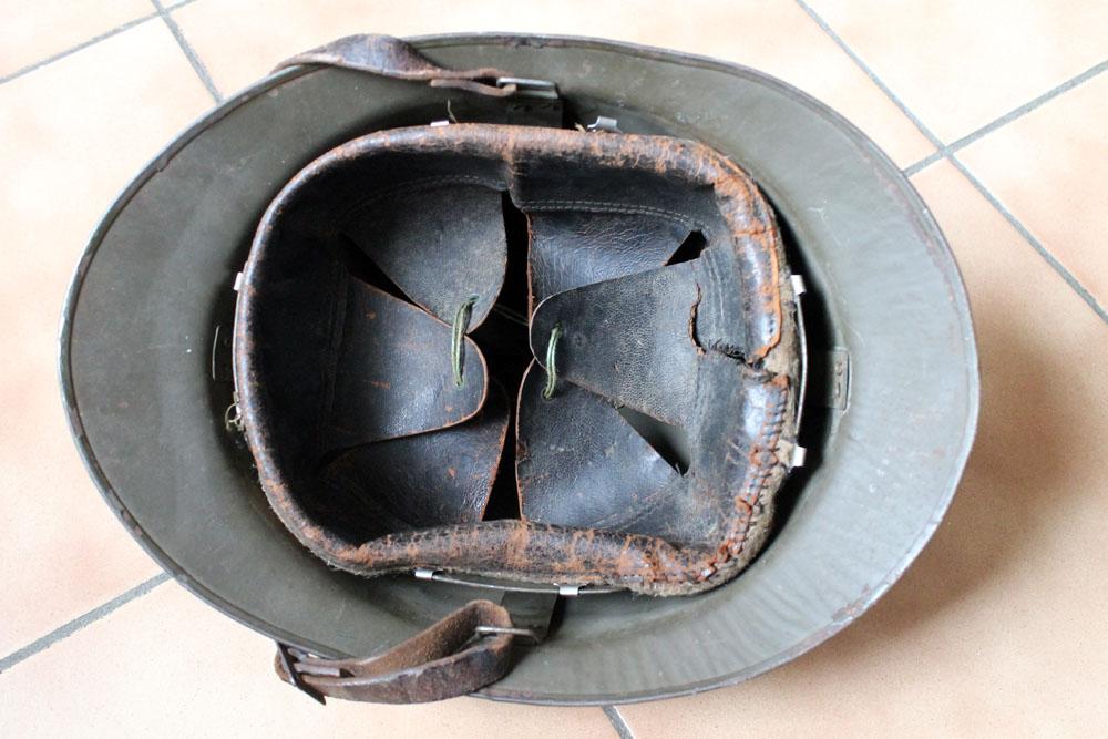 Très beau casque DP grande taille avec brassard (trouvés ensemble) ESC - MAI 2 [A CLOTURER] Img_9142